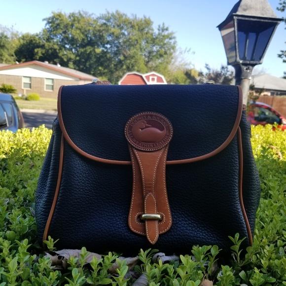 Dooney & Bourke Handbags - Dooney and Bourke satchel